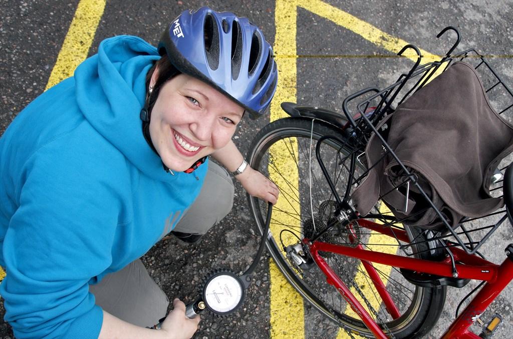 Pyörän Renkaaseen Ei Mene Ilmaa