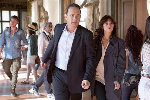 Tom Hanks esittää professori Langdonia ja Felicity Jones tohtoria.