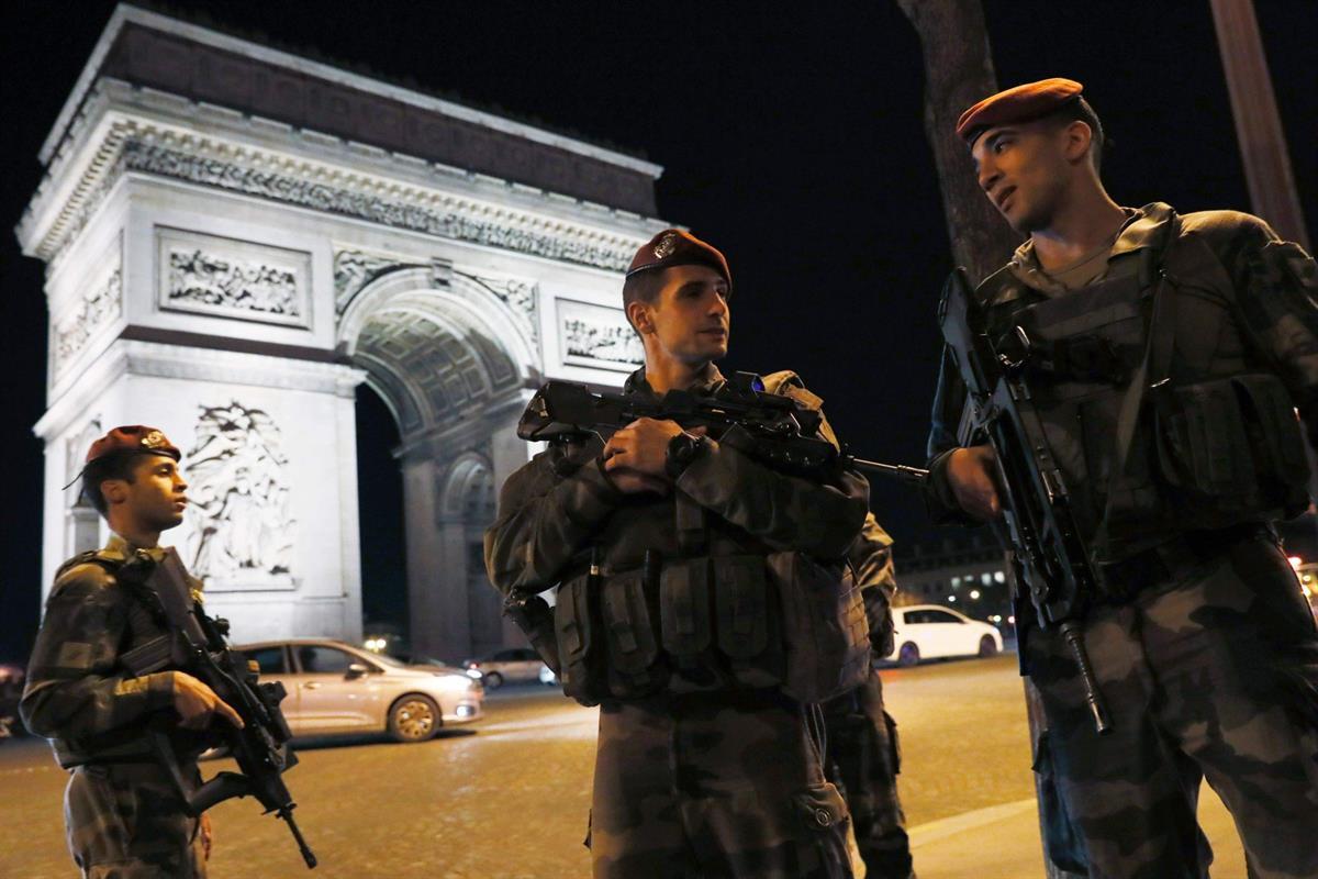 Poliisi Kuoli