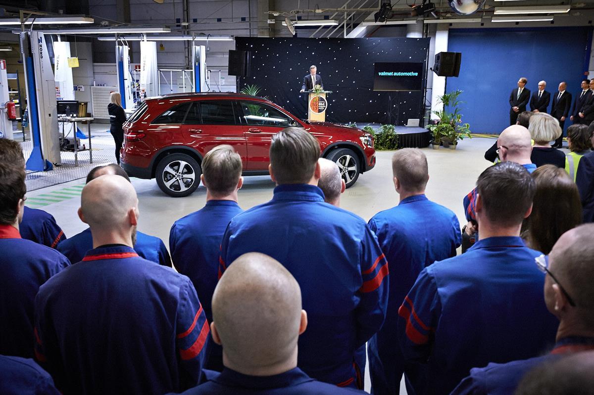 Uudenkaupungin autotehdas työntekijät