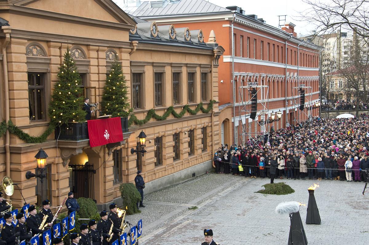 joulurauha 2018 Joulurauhan julistus houkutteli Vanhalle Suurtorille 15 000  joulurauha 2018