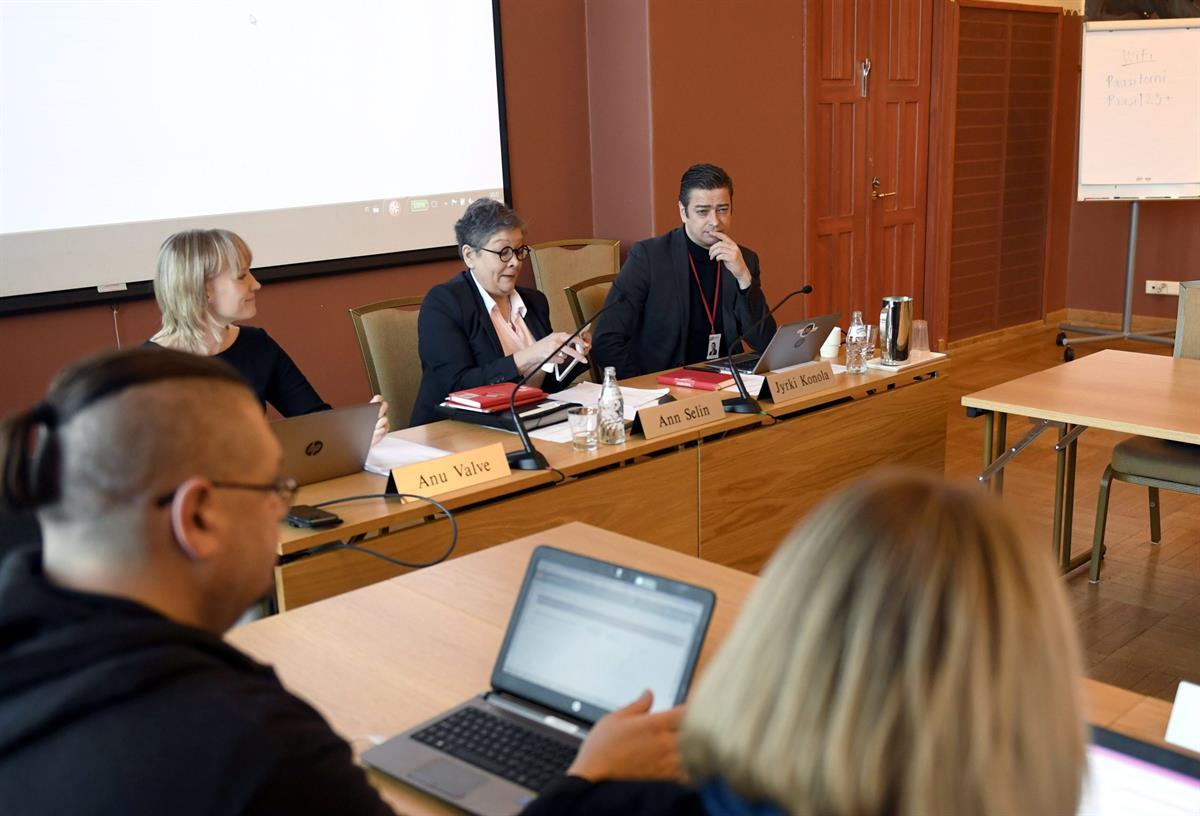 Kaupan alan neuvotteluratkaisu hyväksyttiin