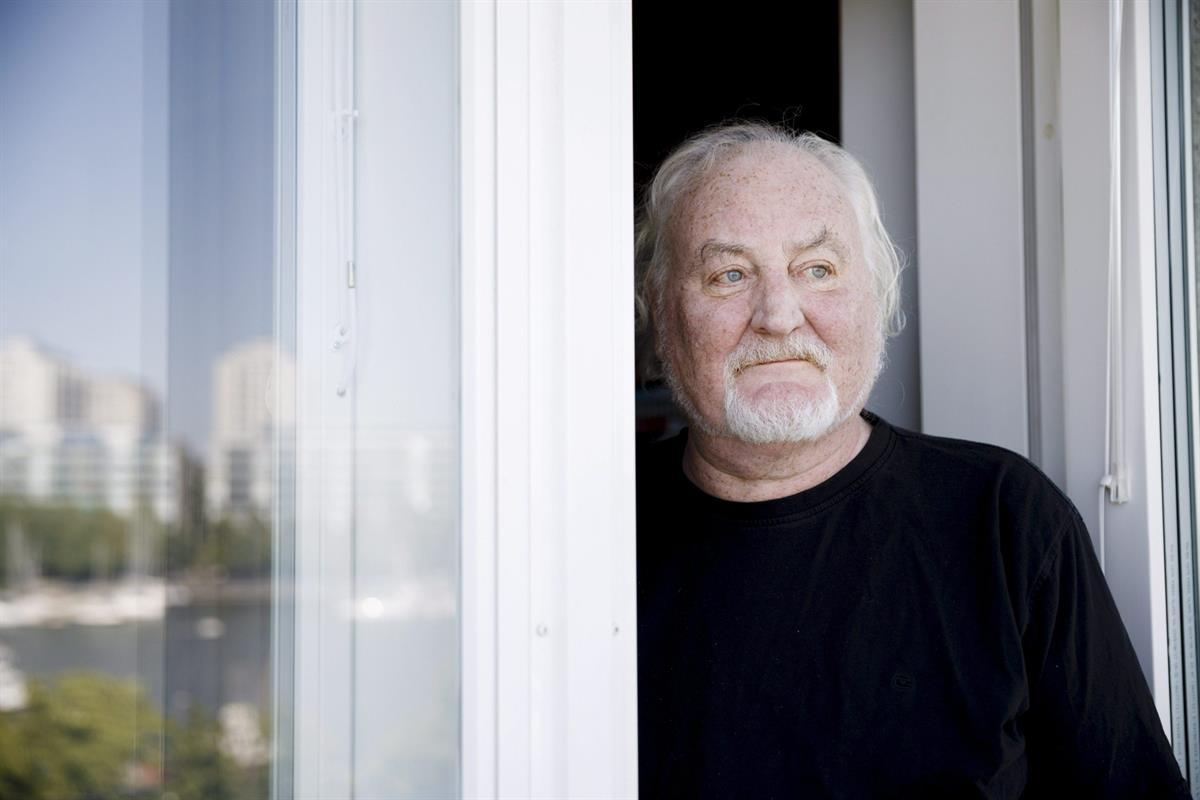 70 vuoden rajapyykin saavuttanut Neil Hardwick päätti eläköityä kertaheitolla kolmisen vuotta sitten, jotta masennus ei tekisi comebackia
