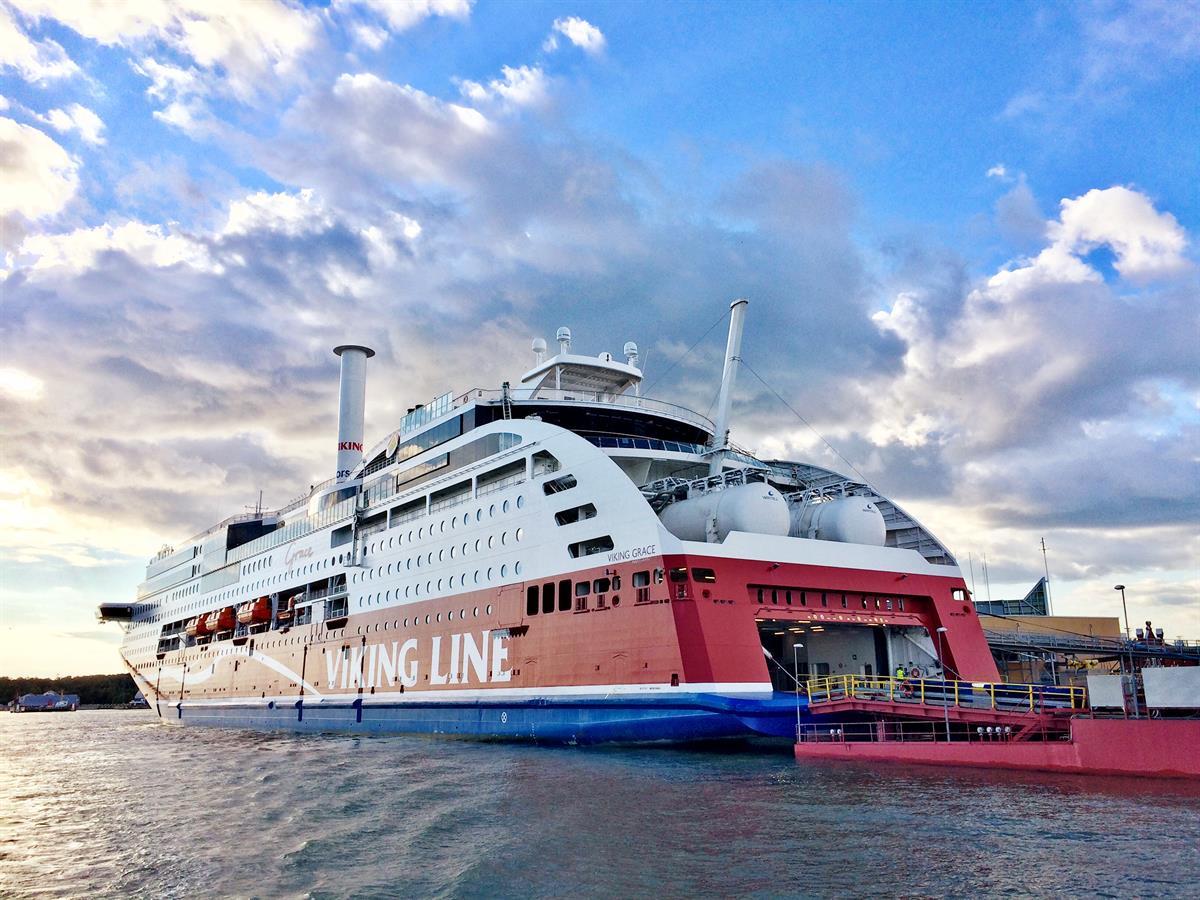 Viking Line aloittaa maapuolen yt-neuvottelut – vähennystarve 10 työpaikkaa Tampereella ...