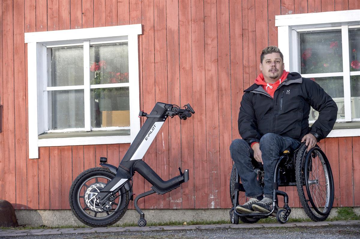 Pyörätuoli ei latista koulukamu Kimmo Nordlundin elämäniloa tai vauhdinhurmaa