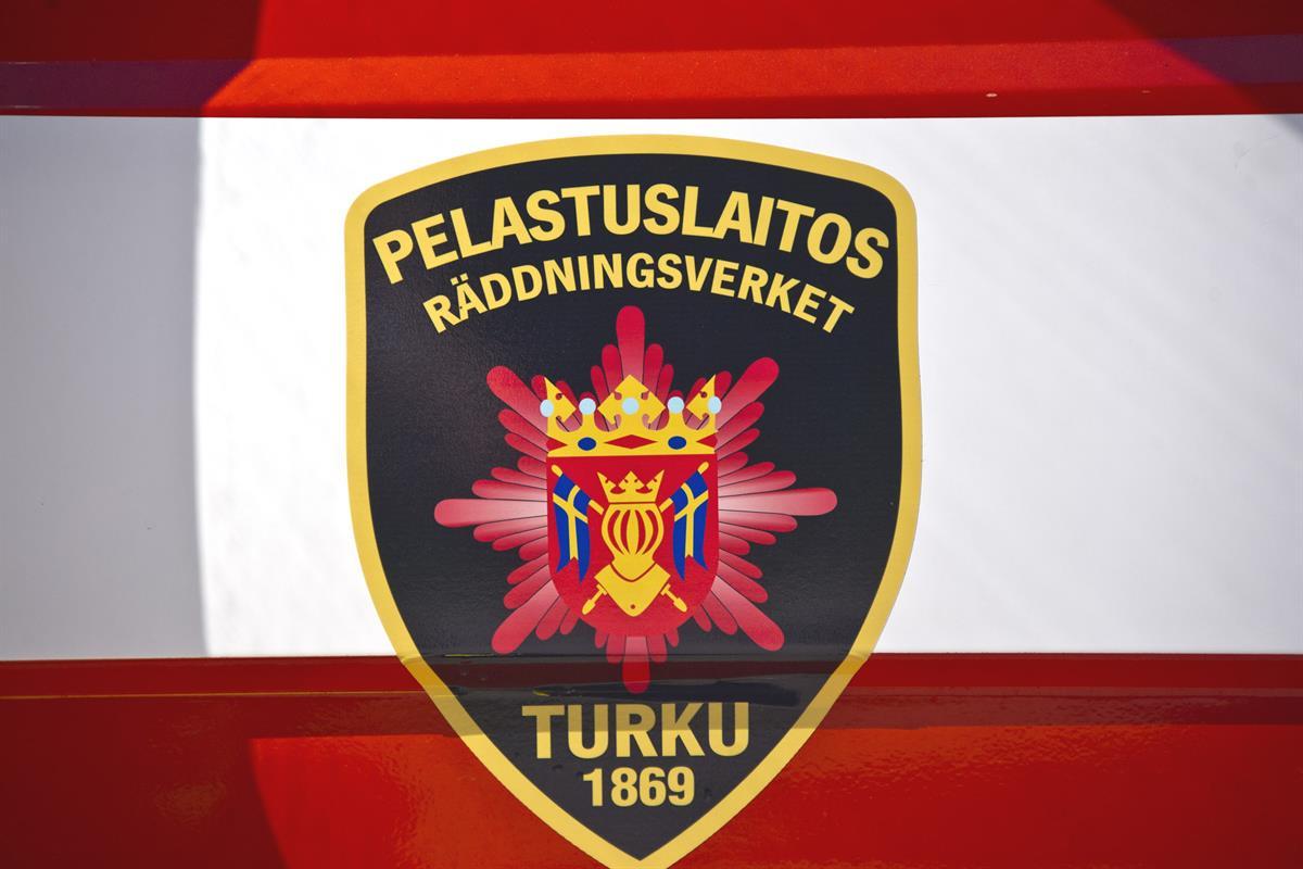 Katolle juhlien jälkeen päätynyt humalainen nuori mies työllisti pelastuslaitosta Turun keskustassa