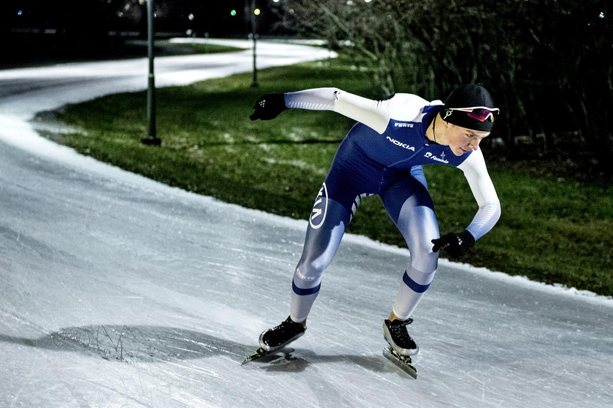 Pikaluistelun maratonmatkan SM-kulta Turkuun –Kalle Kinnala voitti uransa ensimmäisen aikuisten Suomen mestaruuden