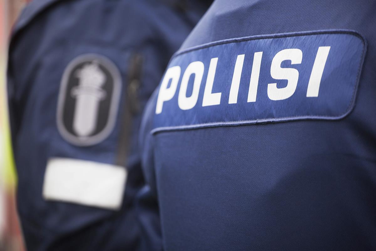 Huumekuski poliisin haaviin Runosmäessä