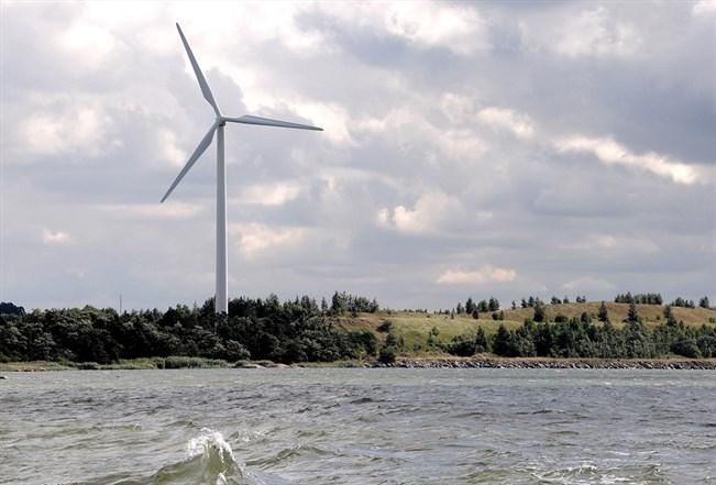 Varsinais-Suomen metsät ja pellot sekä tuuli- ja aurinkoenergia tarjoavat Turulle kivihiilellä tuotetun energian tilalle myös vahvan osaamis- ja kasvupohjan, kirjoittaja toteaa.