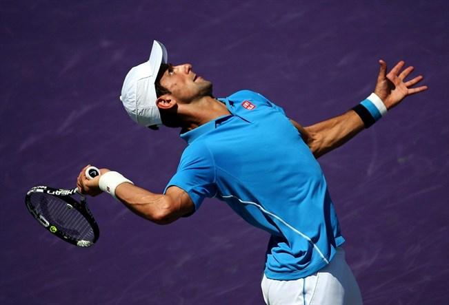 Novak Djokovic Miamin turnauksessa huhtikuunssa 2015. AFP/ Mike Ehrmann